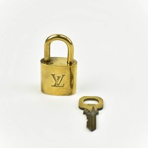 Louis Vuitton Gold Metal Padlock & Key Set #302 (P